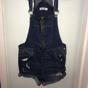 Almost famous short overalls